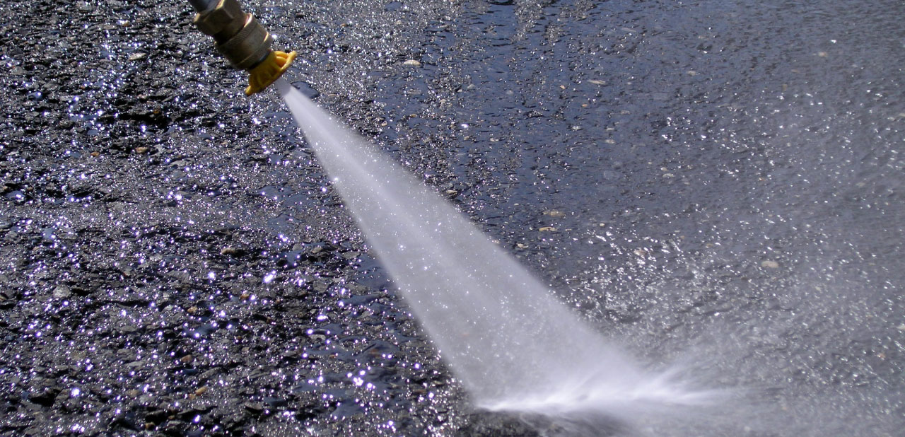Myjka ciśnieniowa domycia smarów wprzemyśle