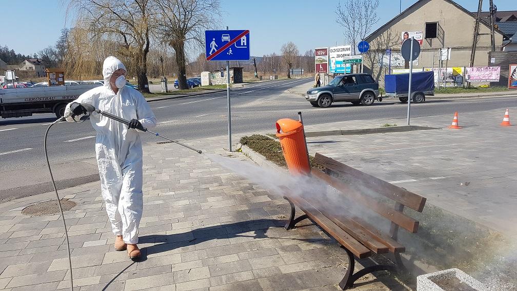 chemiczna dezynfekcja ławek