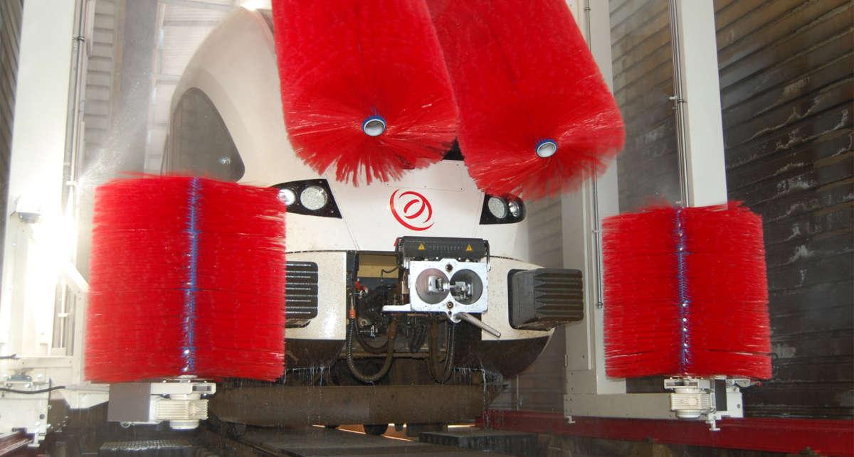 Myjnie dla pociągów czyli kolejowe instalacje czyszczące