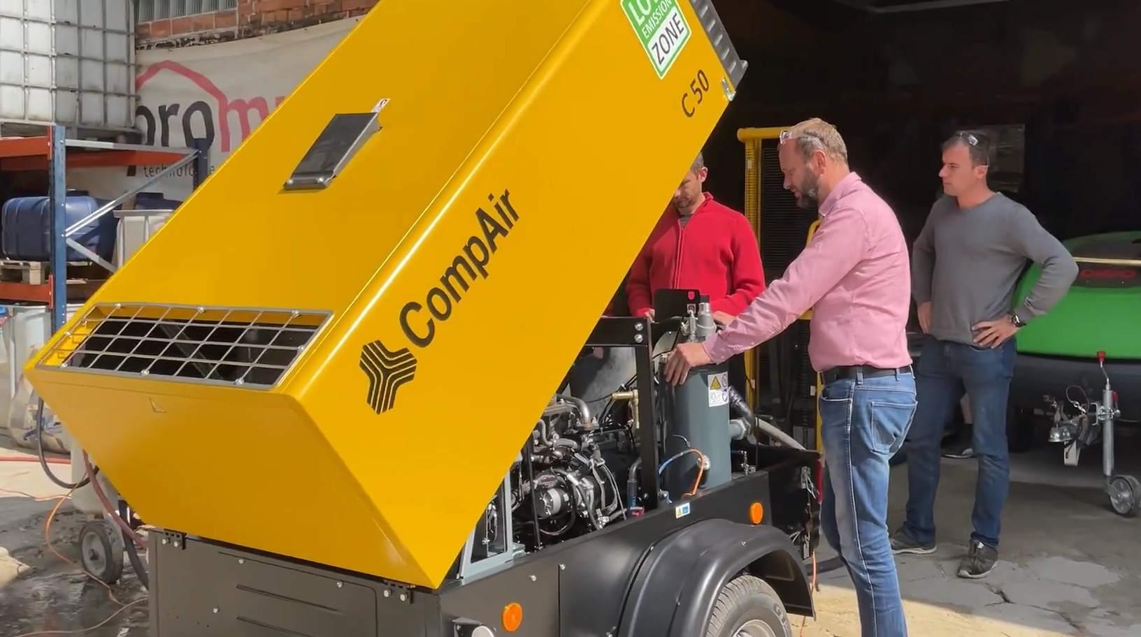 Wykład natemat kompresorów odprzedstawiciela CompAir